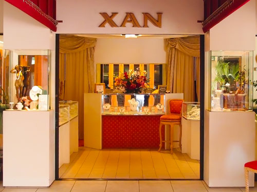 XAN Designer Jewelry at Poipu Shopping Village Storefront